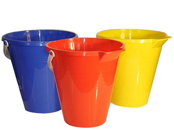 12x Large 9 inch Round Plastic Colour Sand Bucket With Pourer